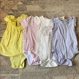 Girl's Short Sleeve Onesies Lot Size 6-12 Months